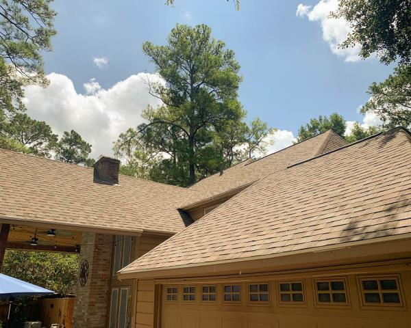 Spring, TX - Replacing this Spring resident's roof was a breeze! They chose Malarkey in Natural Wood. It truly gives this home fresh look!