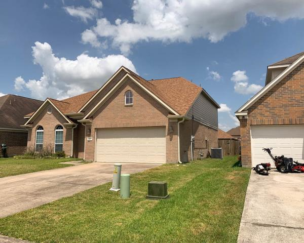 Conroe, TX - Our team worked hard to complete this beautiful Owens Corning roof replacement in Conroe!