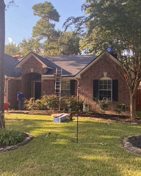Humble, TX - Anderson Restoration is hard at work finishing up this amazing GAF, Charcoal roof replacement!