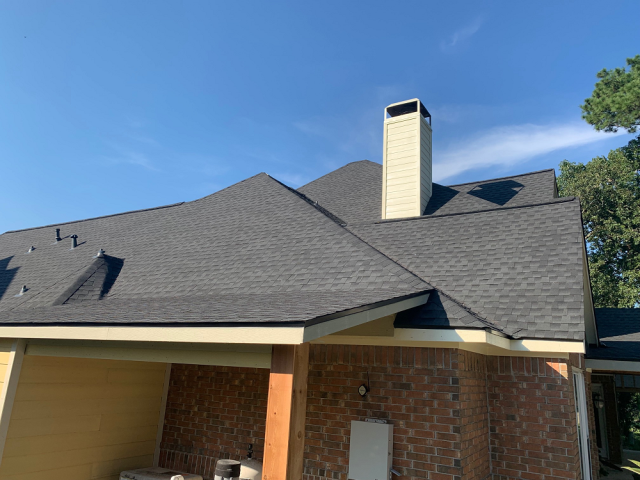 Atascocita, TX - Beautiful new roof for these Humble residents! GAF looks good on this house!