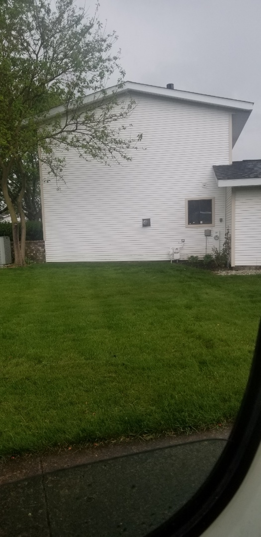 Schaumburg, IL - Siding repair: reinstalled   existing siding that came lose from wind