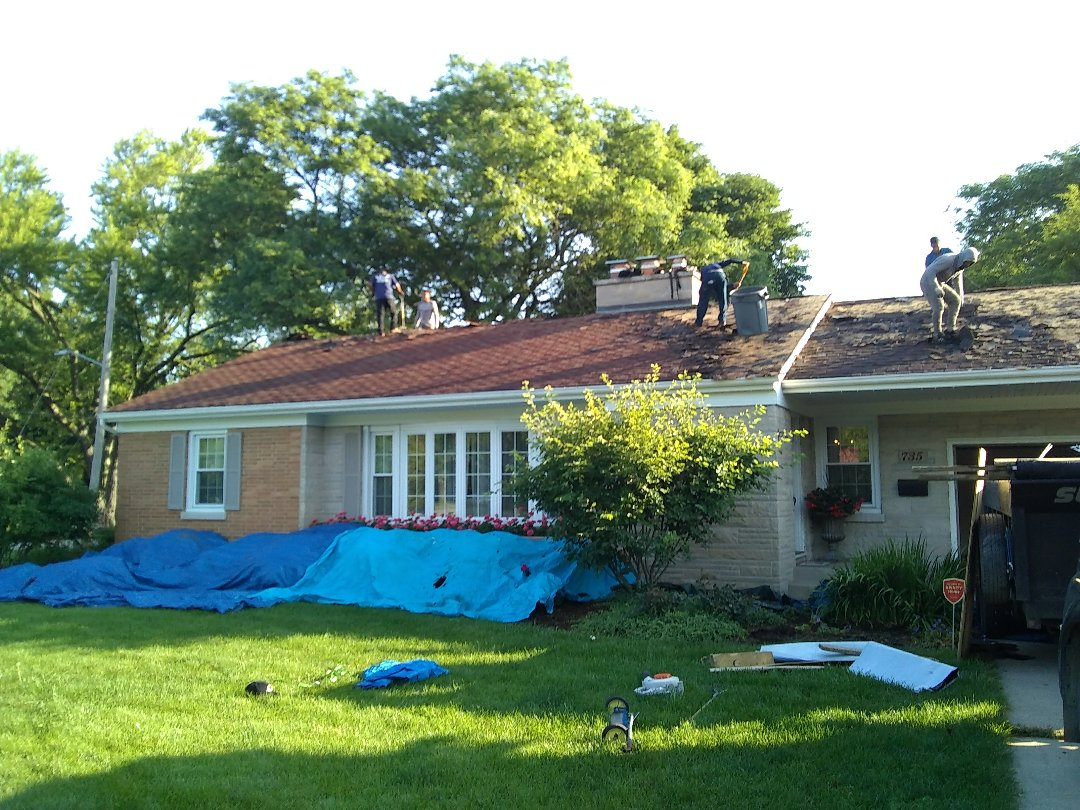 Batavia, IL - Another happy roofing customer in Batavia!