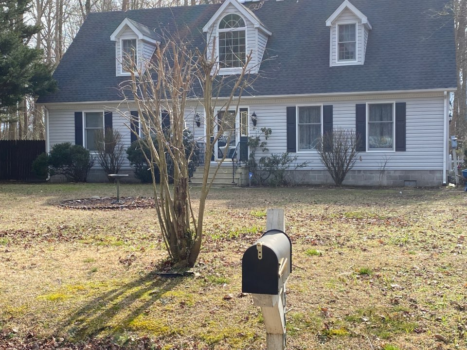 Willards, MD - We are installing a new roof with Timberline HD shingles charcoal in color. We are also installing a new ridge vent with cobra snow country