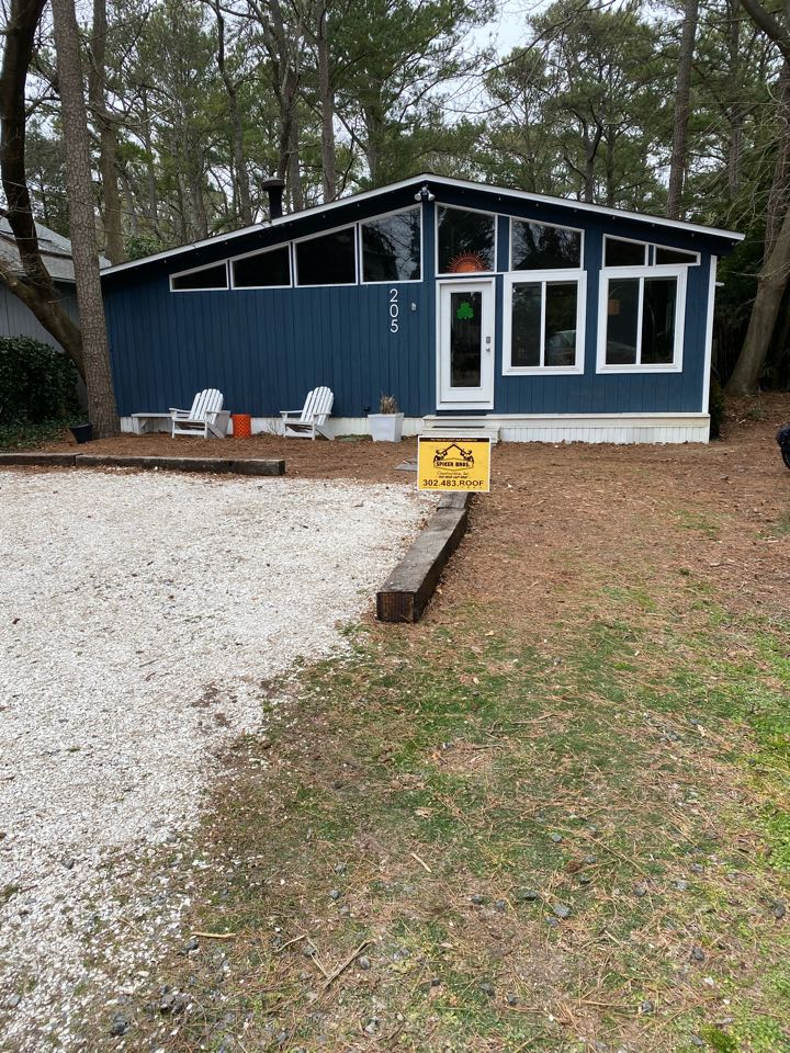 Dewey Beach, DE - We replaced this house with brand new timberline hd shingles and brand new caps weather wood in color