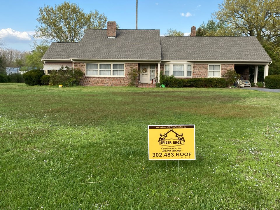 Laurel, DE - We just finished up replacing this house with brand new Timberline HD Weatherwood in color shingles. We also installed a new ridge vent using GAF snow country.