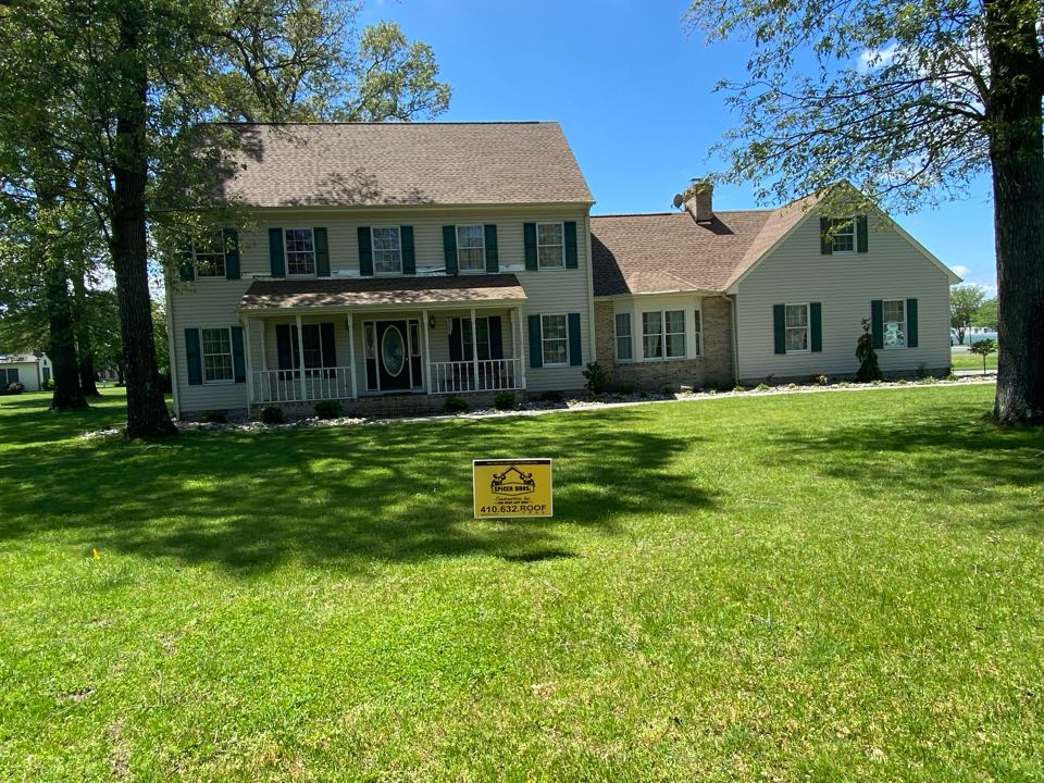 Salisbury, MD - We just finished replacing this house with brand new timberline hd shingles shakewood in color. We also installed a brand new ridge vent using GAF snow country