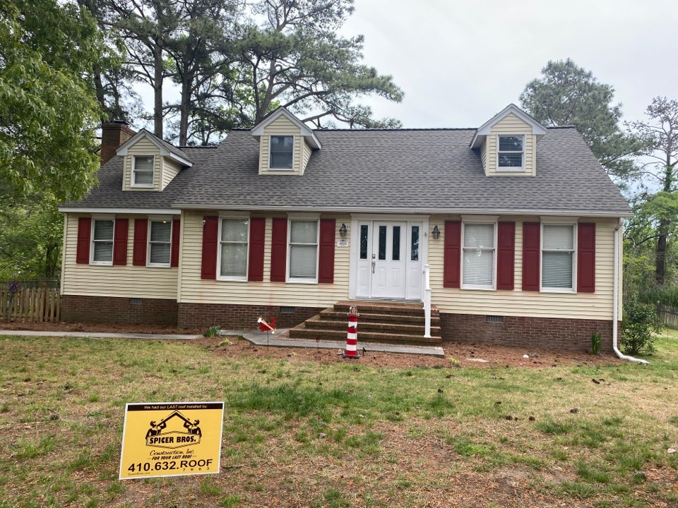 Chincoteague, VA - Spicer Bro's Construction roofing job. Single layer shingle removal. Installed new GAF Timberline HD Weather Wood shingles. Home is located in Chincoteauge VA.