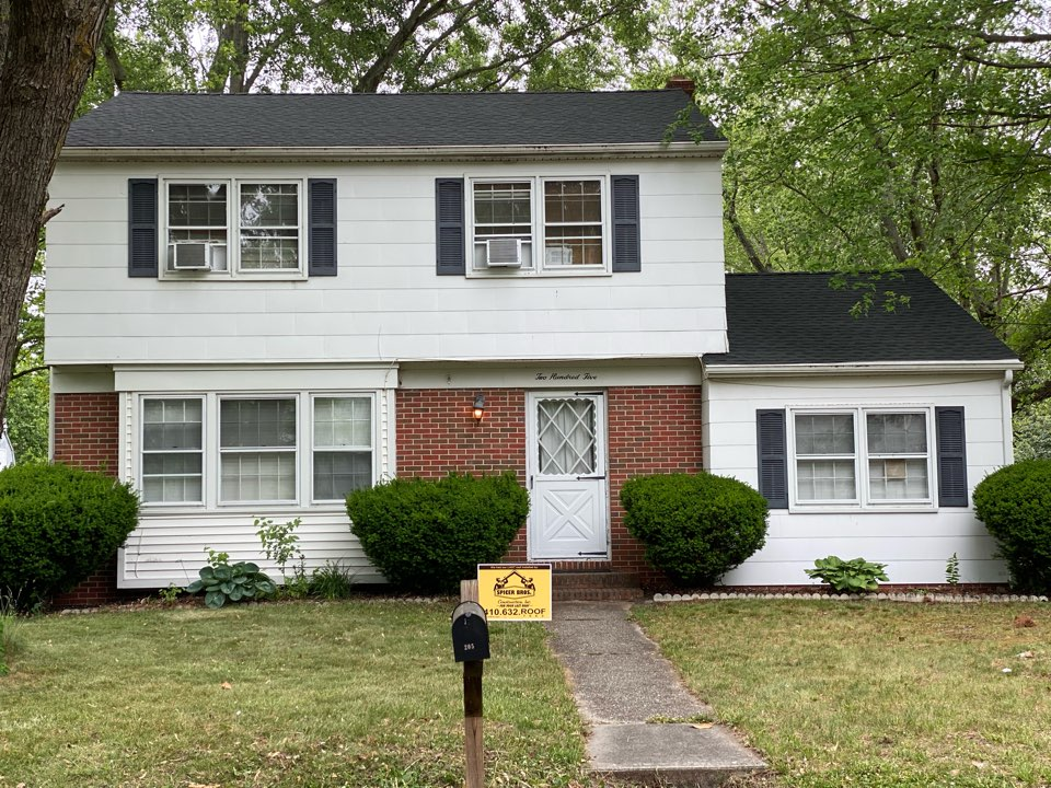 Salisbury, MD - We just finished replacing this roof with brand new timberline hd shingles charcoal in color and installed timbertex caps charcoal in color as well.