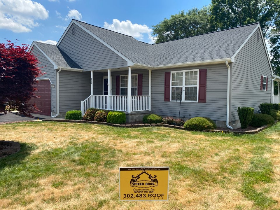 Seaford, DE - Spicer Bro's Construction roofing job. Single layer shingle removal. Installed new GAF Timberline HD shingles Charcoal. Home is located in Blades DE.