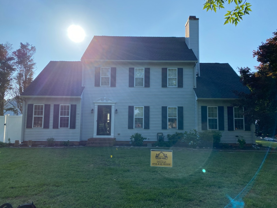 Salisbury, MD - We just finished replacing this house with brand new timeberline HD shingles charcoal in color and we also installed a new ridge vent as well using GAF snow country