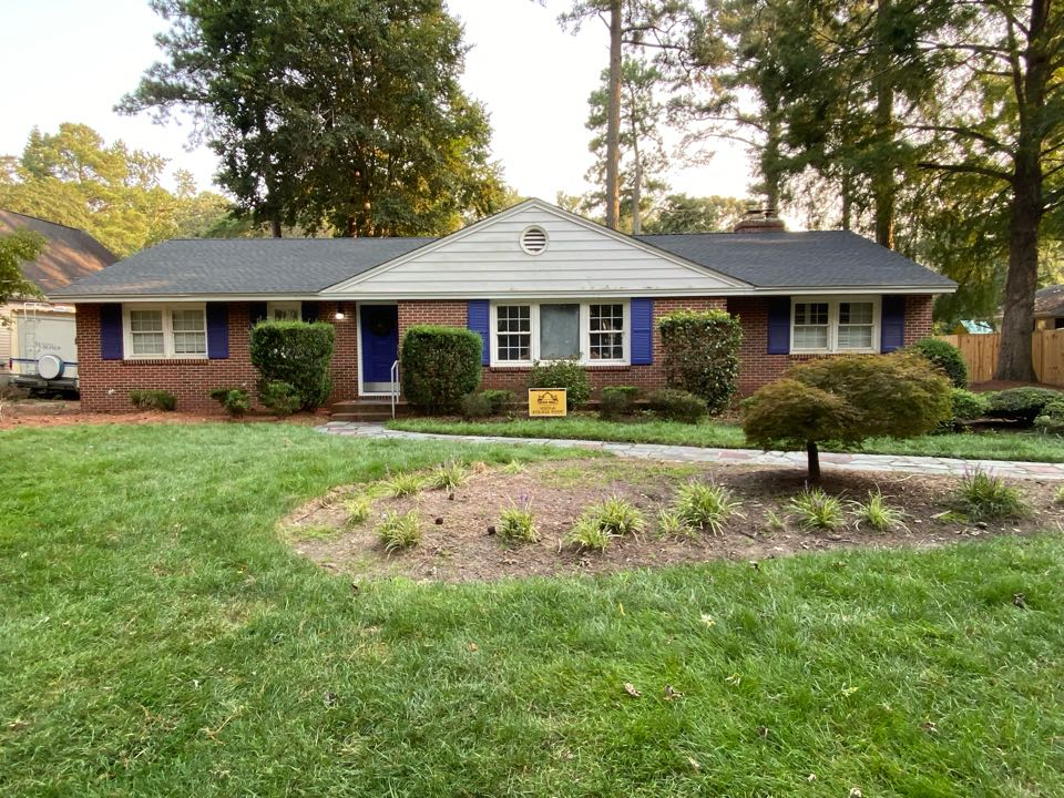 Salisbury, MD - We just finished replacing this house with brand new Timberline HDZ shingles charcoal in color and installed brand new timbertex caps as well.