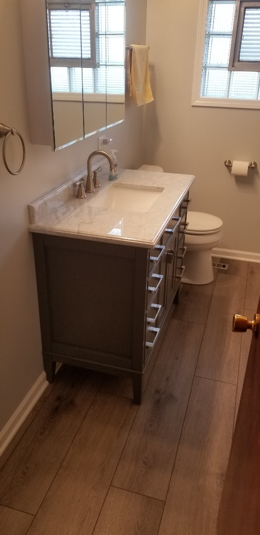 Downers Grove, IL - Wrapped up a beautiful bathroom remodel in Downers Grove!