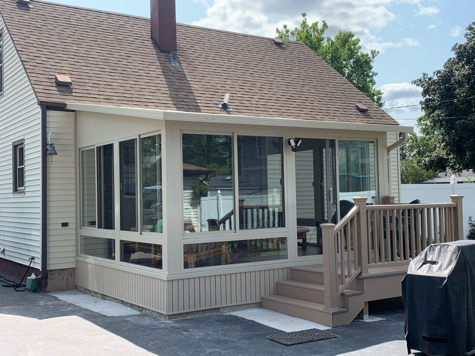 Tinley Park, IL - Just completed. New sunroom in Tinley Park ready to enjoy the last few weeks of summer.