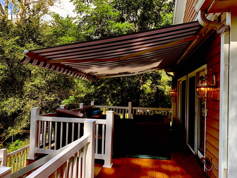 Lake Barrington, IL - New awning installed by Envy sunrooms in Lake Barrington.