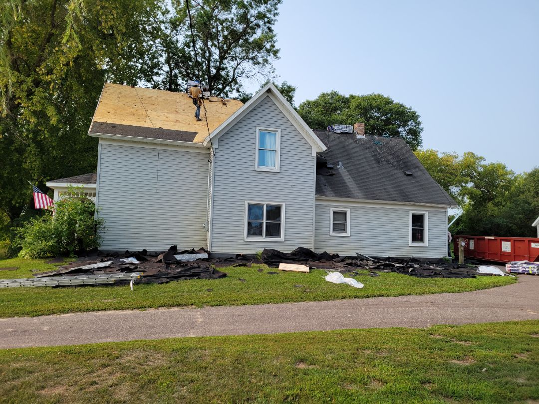 Cambridge, MN - Roof install today