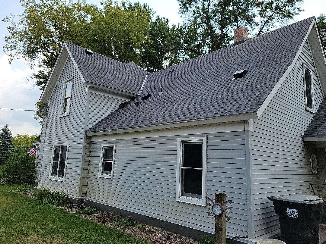 Isanti, MN - GAF Timberline roof, color- pewter grey