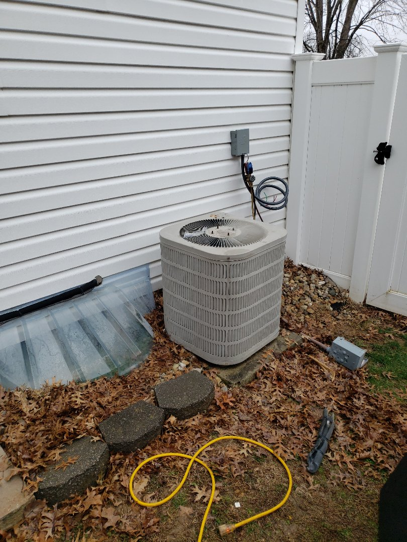 Replacing a air conditioner and air handler with new high efficiency heat pump