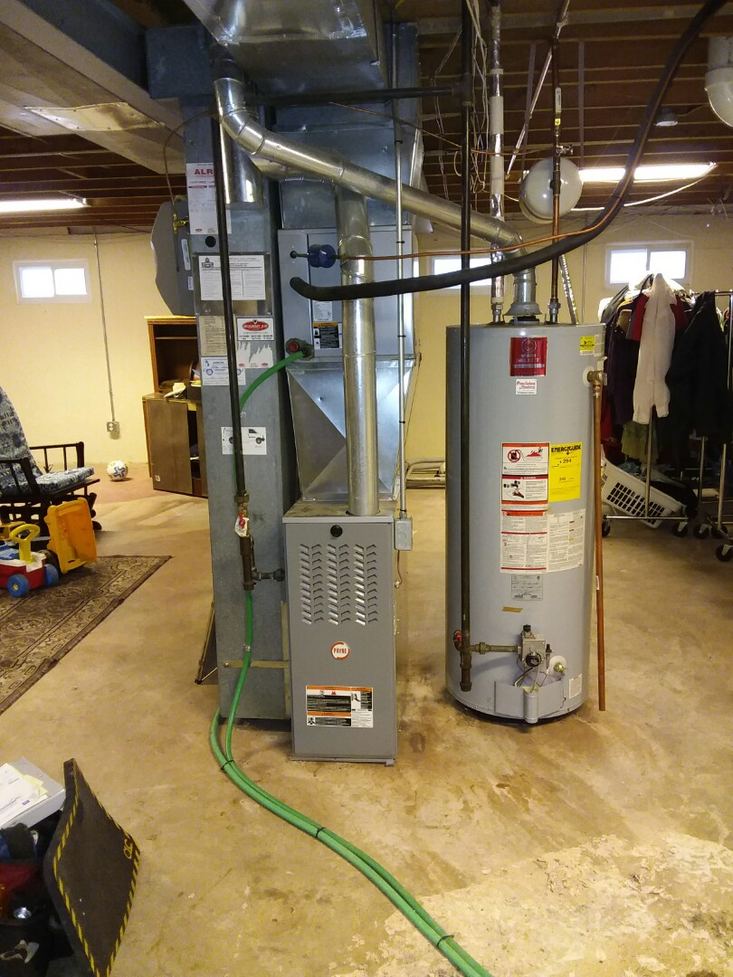 Performing an evaluation of an HVAC system in Berkley,Mo.