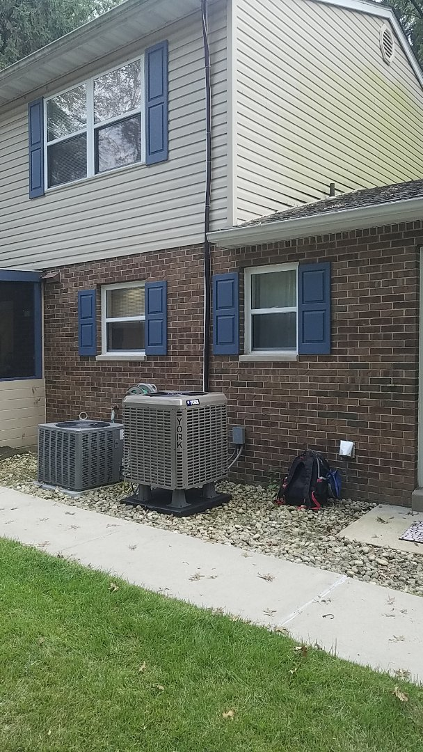 Belleville, IL - Installed new YHM heatpump