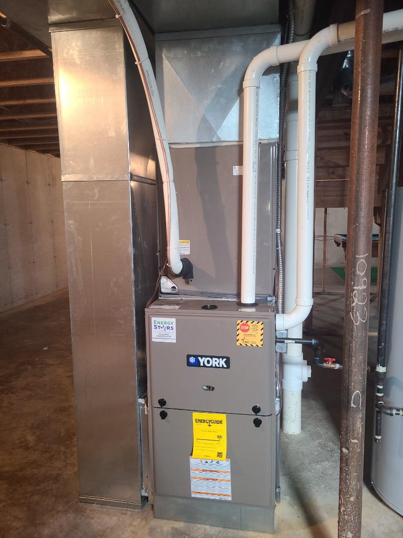 Edwardsville, IL - Installing full York dual fuel system. 96% furnace and 4 ton Heat pump with matching coil.