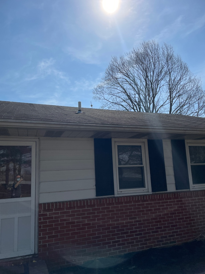Oxford, PA - Roof replacement gaf hdz shingles. Deck build