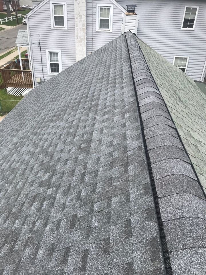 Claymont, DE - New roof with snow county ridge vent installed