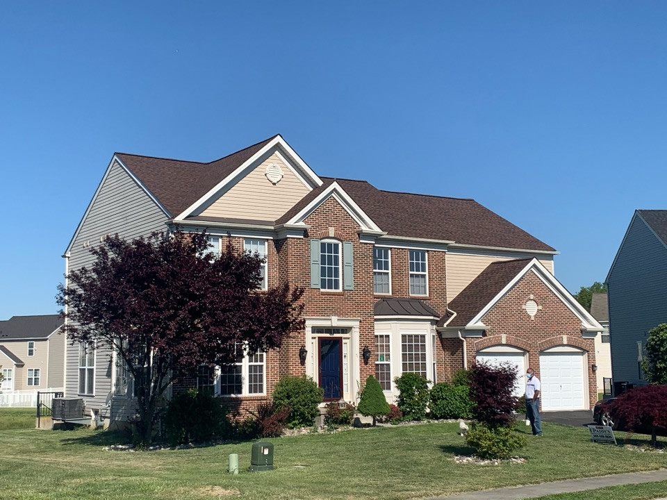 Smyrna, DE - Roof Replacement - GAF Timberline HDZ 50 year lifetime Hickory shingles with custom bent counter flashing