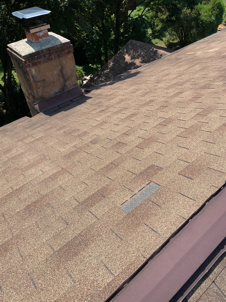 Elkton, MD - Free estimate replace roof with new gaf hdz shingles. Repair chimney with new crown and repointing of chimney