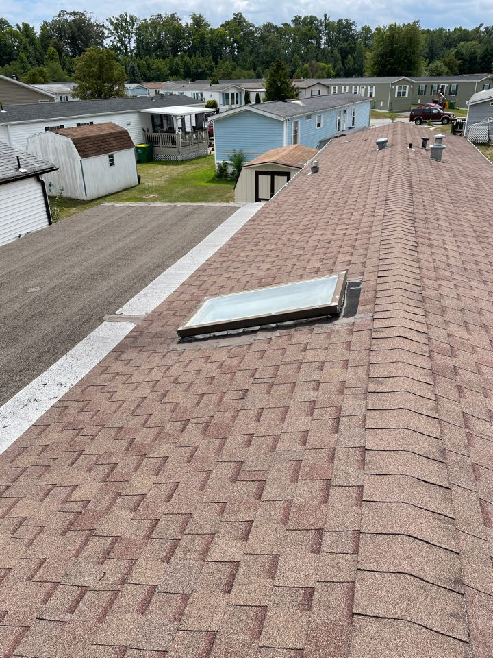 Bear, DE - Free estimate to replace skylight and shingle roof