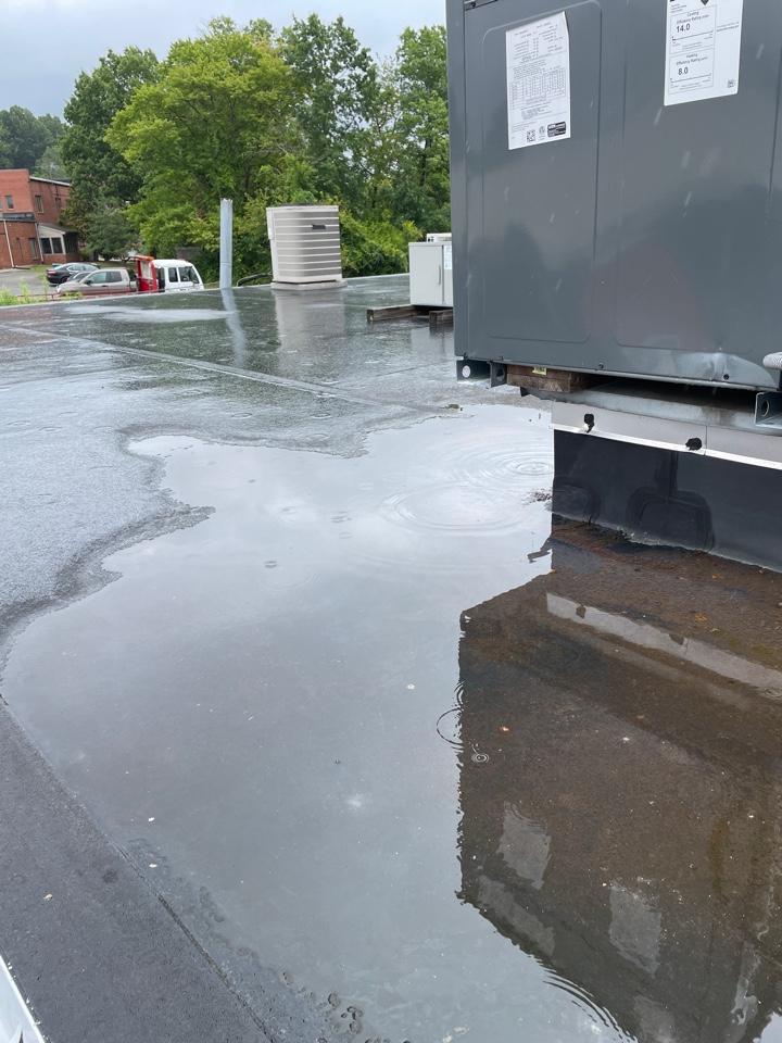 Hockessin, DE - Commercial flat roof repair