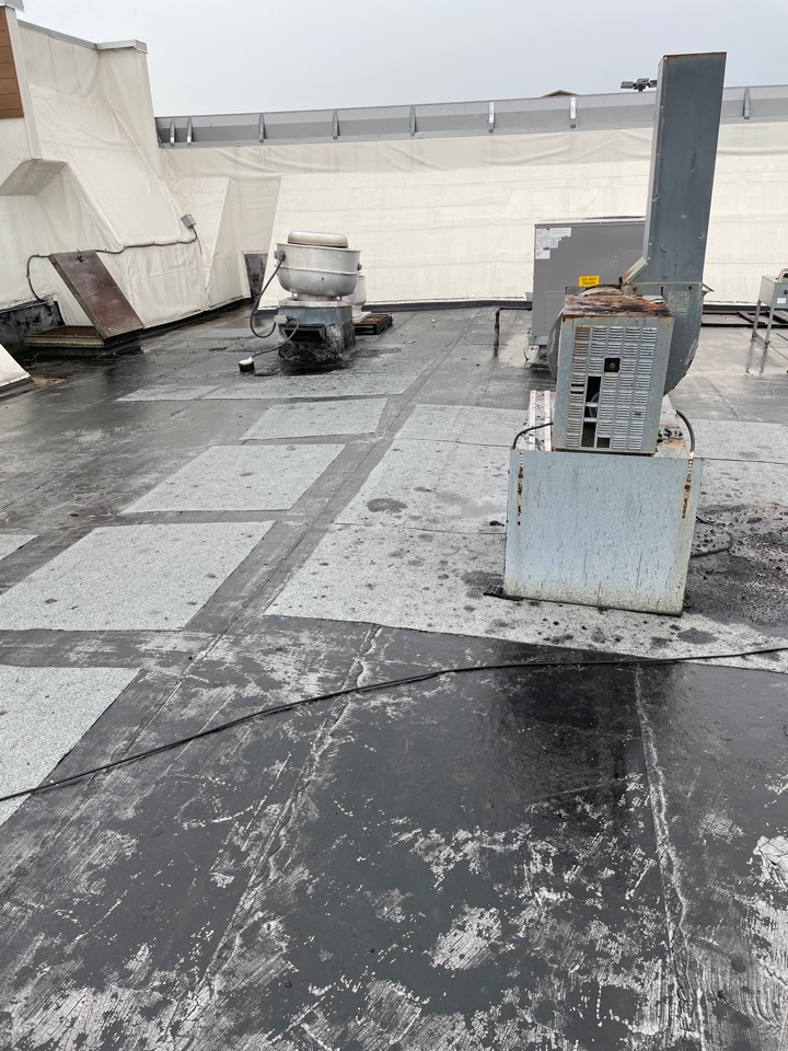Bear, DE - Commercial flat roof repair estimate