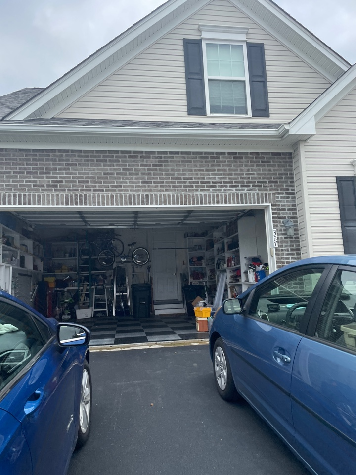Middletown, DE - Free estimate Roof repair and gutter replacement