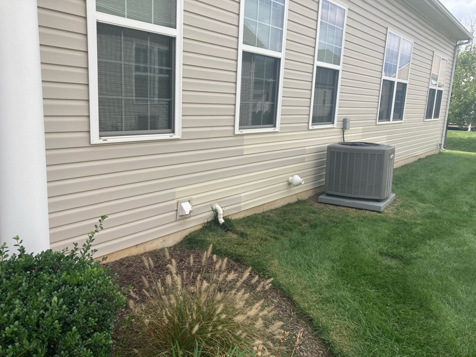 Middletown, DE - Damaged siding replacement with closest color available