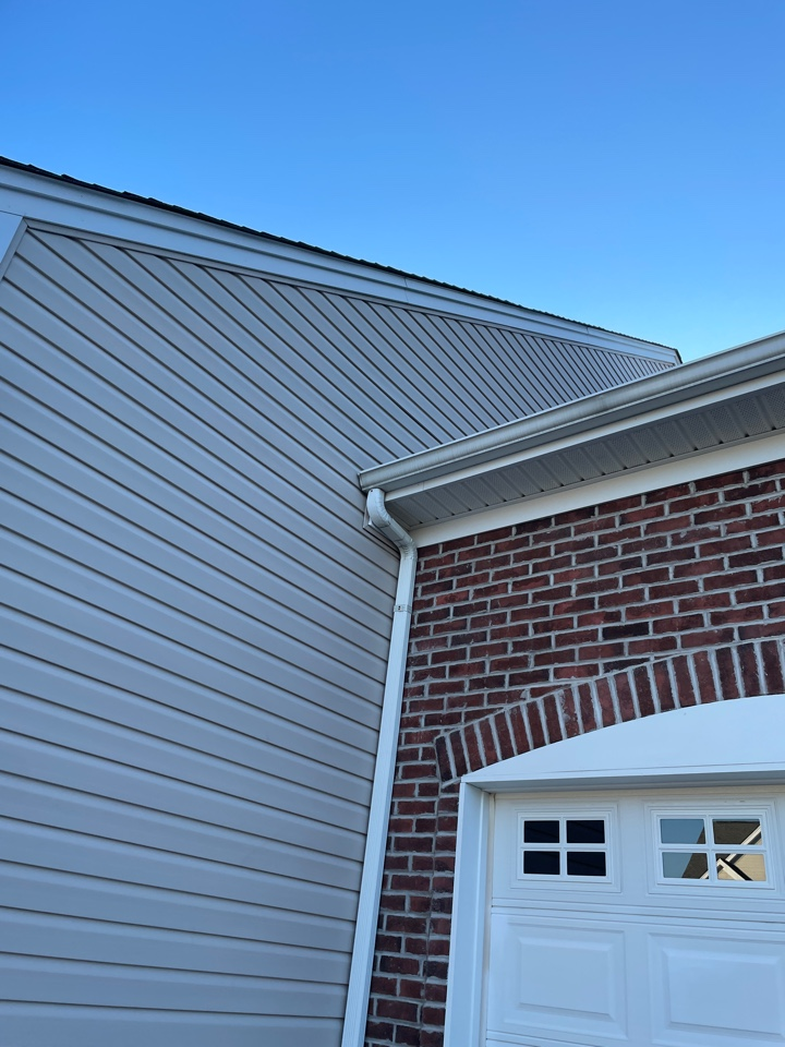 Middletown, DE - Siding repair and gutter replacement