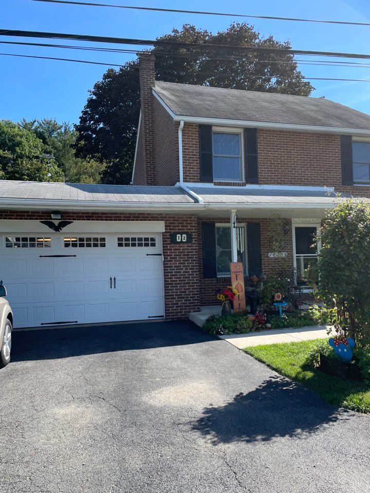 Newark, DE - Roof replacement and gutter replacement