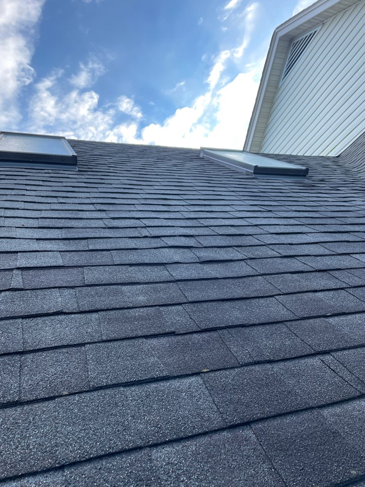 Elkton, MD - Roof replacement Gaf and skylight replacement velux