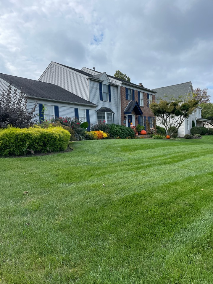 Hockessin, DE - Roof replacement with gutter replacement and siding replacement