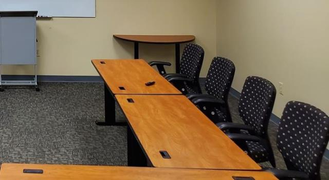 Tonight we wrap up commercial cleanings for offices and businesses after they close.  Tomorrow morning everyone will come into a clean office and facility. We clean offices nightly.  Our nightly office cleaning and commercial cleaning in Greensboro  include all of your offices, conference rooms, lobbies, kitchen, restrooms, and everything else in your office or facility.  #Commercial cleaning greensboro #Office cleaning greensboro