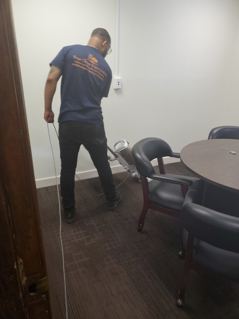 Employee training making sure they're properly trained to clean towards TCE Commercial Cleaning standards #janitorial #dayporter #google #reviews #clean #dayporter #janitorial #Pleasentgardens #Greensboro #HighPoint #Kernersville #tcecommercialcleaning