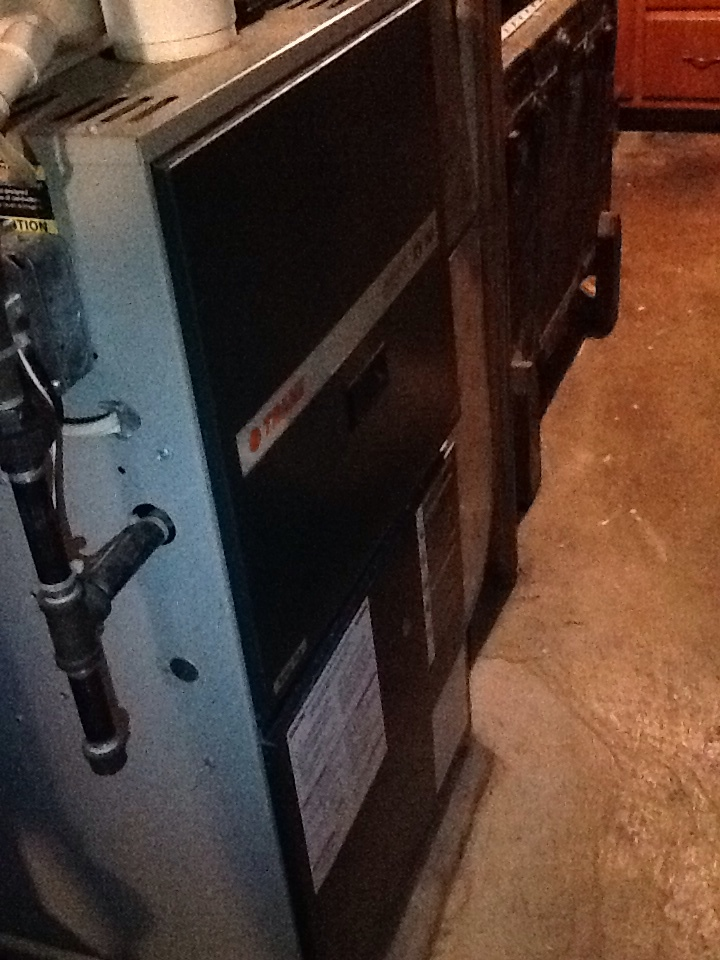 Pittsburgh, PA - Signature Agreement heating check up on a Trane furnace.