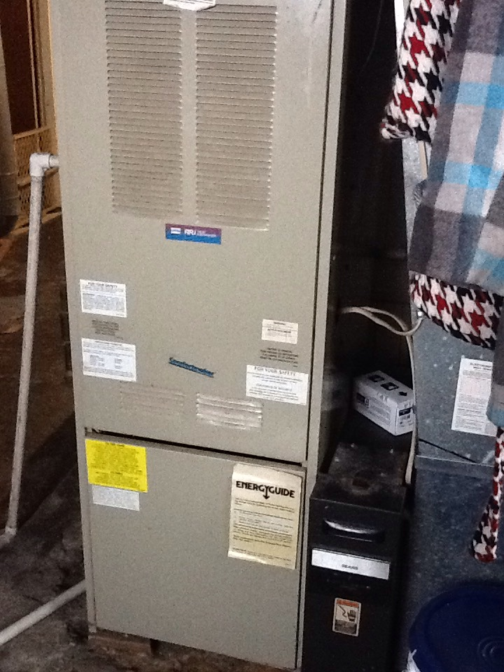 Munhall, PA - Flat rate no heat call on a Comfortmaker furnace.