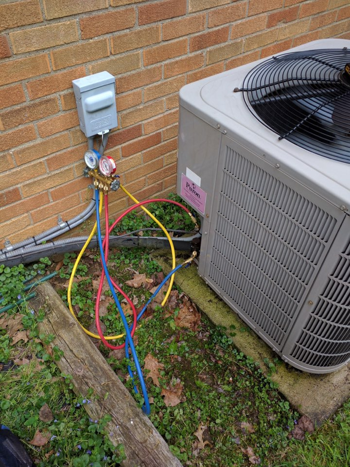 Pittsburgh, PA - Annual cooling maintenance, for a long time Signature Agreement holder.