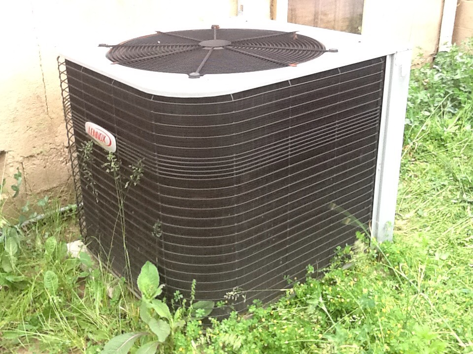 Beaver Falls, PA - Flat rate no cooling call on a Lennox air conditioner.