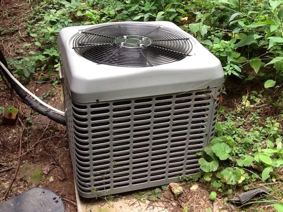 Cheswick, PA - Leak check in a Boehmer air conditioner.