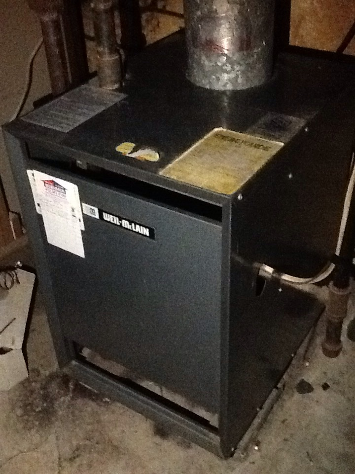 Pittsburgh, PA - Precision boiler tune up on a Weil-McLain boiler.
