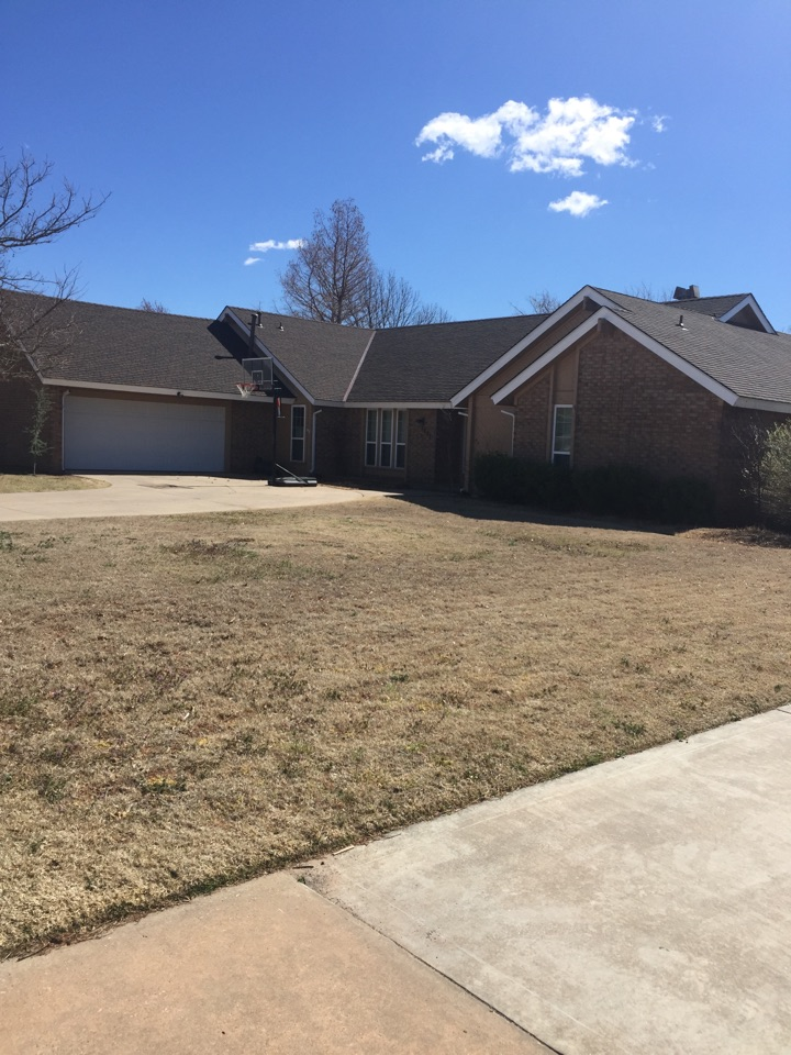 Norman, OK - Replaced this roof in Norman with the new GAF Glenwood shingle. The new roof looks great!