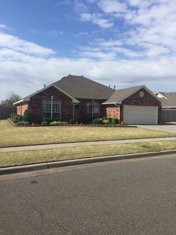 Norman, OK - Great looking new roof on this home in Norman.