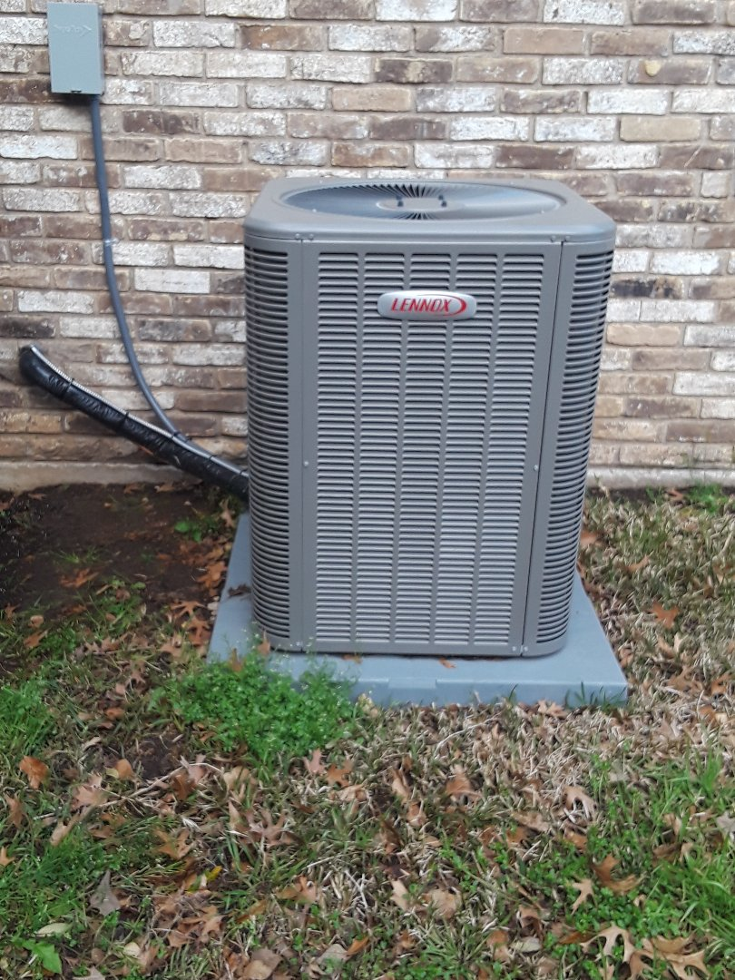 Arlington, TX - Ac tune up on a Lennox condenser