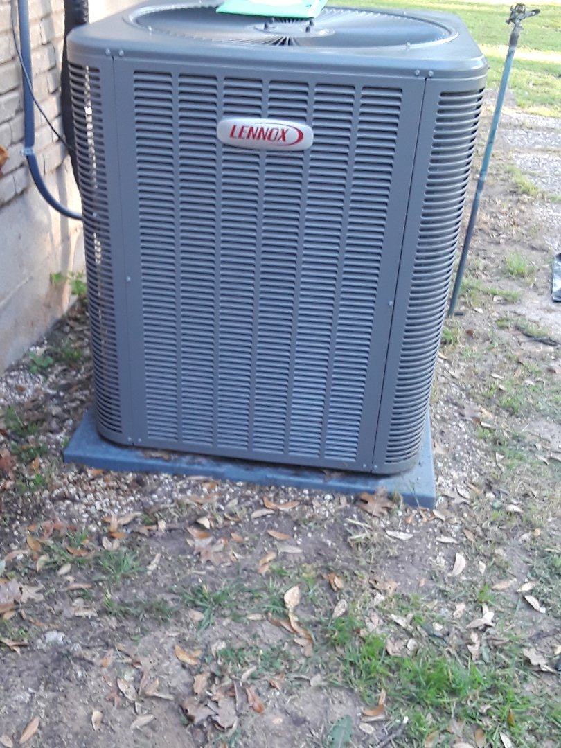 Colleyville, TX - Ac tune up on a Lennox condenser