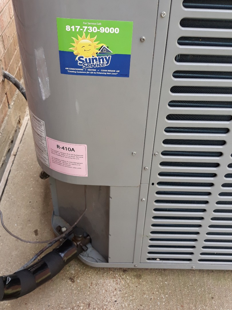 Arlington, TX - Fixing a leak on a condenser.